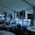 Feste Wände im Zelt für die Hochzeit