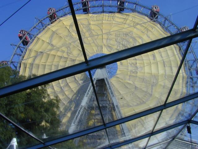 Gerne bieten wir Ihnen für unsere VIP-Zelte auch Transparente Dachplanen an